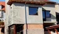 Társasház fa nyílászáró beépítés 1