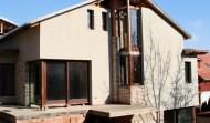 Társasház fa nyílászáró beépítés 3